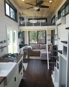 "Ever look at a tiny house and say ""yeah, that's the one."" Having one of those moments as I take in this tiny house from Austin, Texas.…"