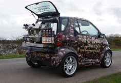 Discover our Smart Car Conversion - a vehicle which not only drives well but also produces great espresso. Start your coffee business in style today! Coffee Carts, Coffee Truck, Pizza Vans, Prosecco Bar, Food Truck Business, Business Ideas, Coffee Shop Business, Coffee Tamper, Mobile Catering