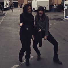 Ming-Na Wen and Chloe Bennet Cast Agents Of Shield, Shield Cast, Marvels Agents Of Shield, Marvel Memes, Marvel Dc, Quake Marvel, Chloe Bennet Instagram, Agents Of Shiled, Iron Man