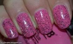 http://anaonofrei.blogspot.ro/2013/12/pink-nails.html