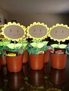 Plants vs. Zombies party favors