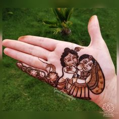 Celebrate the joyous festival of Janmashtami with pretty krishna janmashtami mehndi designs for Round Mehndi Design, Palm Mehndi Design, Peacock Mehndi Designs, Back Hand Mehndi Designs, Legs Mehndi Design, Henna Art Designs, Mehndi Designs For Beginners, Mehndi Designs 2018, Dulhan Mehndi Designs