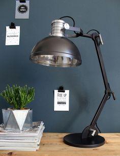 Stoere bureaulamp Steinhauer Brooklyn zwart - Directlampen