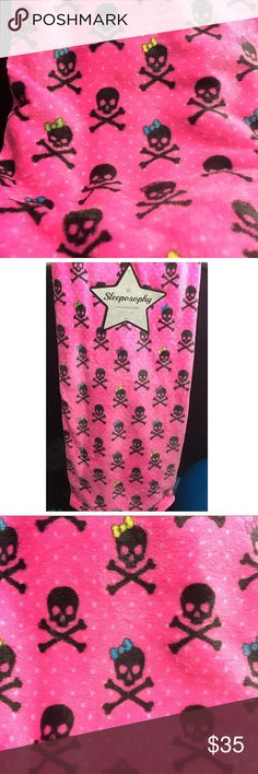 """Pink black skull cross bones blanket throw bow 50x60"""" super soft blanket throw. Hot pink with black skull and crossbones multi colored bow. Similar to Betsey Johnson style Other"""
