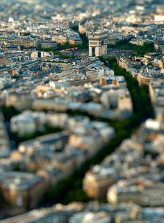 Tilt-shift photo of Paris