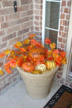 Fall front porch welcome I would love this on my front porch this fall :)