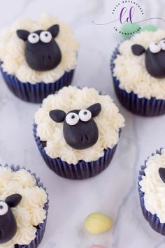 If you're looking for an adorable Easter dessert recipe, check out these Sheep Cupcakes! Everyone will love these charming Easter cupcakes! Sheep Cupcakes, Sheep Cake, Easter Cupcakes, Birthday Cupcakes, Animal Cupcakes, Flower Cupcakes, Christmas Cupcakes, Easter Cup Cakes Ideas, Cupcake Recipes
