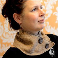 freebook - Tutorial Schal (NUBSTA) Es wird kalt und ich benötigte unbedingt einen netten Schal, der schön bequem ist und beim arbeiten nicht um mich herum fliegt. Auf Pinterest entdeckte ich einen tollen Halswärmer, fand aber keine Anleitung. Also habe ich mich selbst daran gemacht.