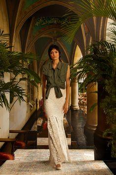 Nicole Miller Spring 2021 Ready-to-Wear Collection - Vogue Vogue Fashion, Fashion News, Fashion Beauty, Fashion Show, Fashion Trends, Nicole Miller, Vogue Paris, Zara, Grown Women