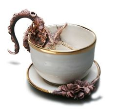 the fabulous weird trotters Teapots And Cups, Cafe Design, Teacup, Beautiful Homes, Tea Pots, Weird, Mary, Pottery, Ceramics