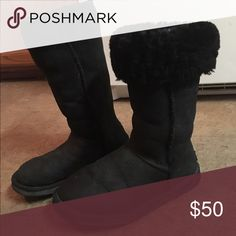 Ugg boots Ugg boots size 6 pre owned good condition UGG Shoes Winter & Rain Boots