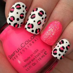 Pink Animal Leopard Print with Glitter Accent Nail Design #NailArt #Nailpolish