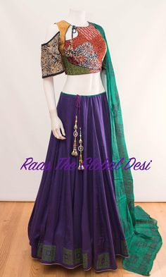 Lengha Blouse Designs, Choli Designs, Lehenga Blouse, Garba Dress, Navratri Dress, Indian Dresses, Indian Outfits, Navratri Special, Party Wear Lehenga