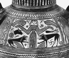 Potnia Theron (Mistress of Animals) on a Boeotian amphora, 680 BC, National Archaeological Museum, Athens Ancient Aliens, Ancient Art, Potnia Theron, Classical Period, 5 Elements, Creta, Sacred Feminine, Divine Feminine, Wild Creatures