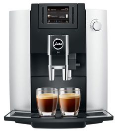 Jura E6 Zilver  Jura E6 Zilver: Perfecte espresso met maximaal aroma De Jura E6 behoort tot de nieuwe E-serie van het merk waarbij het espressobereidingsproces nóg verder is geoptimaliseerd. Dankzij het impulsextractieproces (Pulse Extraction Process of P.E.P.) drink jij altijd koffie met maximaal aroma of je nu voor een snelle espresso of een grotere koffie gaat. Daarbij zorgt CLARIS Smart - het vernieuwde watersysteem - ervoor dat het water perfect zuiver wordt zodat jouw koffie altijd met…