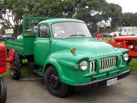 Bedford J3 LC2 Vintage Trucks, Old Trucks, Bedford Truck, Little Truck, Buses, Specs, Classic Cars, Old Things, Vans