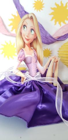These beautiful centerpieces are made of wood. They are 8 inches tall, the dresses are made of fabric. Rapunzel Birthday Party, Tinkerbell Party, Princess Birthday, Princess Party, Disney Princess, Mickey Mouse Parties, Mickey Mouse Clubhouse, Mickey Mouse Birthday, Tangled Party Decorations
