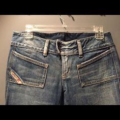 Diesel Jeans! Size 28 Diesel Jeans, size 28. Worn only a few times ! Diesel Jeans Straight Leg