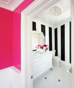 b/w stripes + hot pink in bath 2