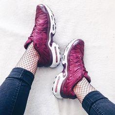 Sneakers women - Nike Air Max Plus Satin (©trizitrizi)