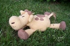 Free crochet pattern: Pillow Pal Giraffe