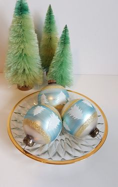 Vintage Set of 3 Blown Glass Round Christmas Ornaments, Stenciled by on Etsy Vintage Christmas, Blown Glass, Unique Jewelry, Handmade Gifts, Etsy, Kid Craft Gifts, Craft Gifts, Costume Jewelry, Diy Gifts
