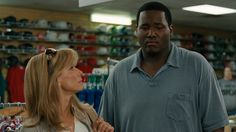 The Blind Side, based on the true story of Michael Oher, is a competent movie. Article about hidden racism. The Blind Side 2009, Michael Oher, Camera Movements, American Football Players, Inspirational Movies, Movies To Watch Online, Movie Releases, Sandra Bullock, Streaming Movies