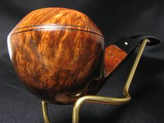 The highest grade Dunhill Root briar from 1978 vkpipes.com/pipeline/dunhill-root-briar-42081-1978