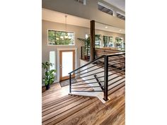 Best split level remodel railings stairs 65 ideas Best split level remodel rail… – Famous Last Words Split Foyer Entry, Split Level Entryway, Front Entry, Bi Level Homes, Split Level Remodel, Ranch House Remodel, Exterior Stairs, Garage Stairs, Exterior Remodel