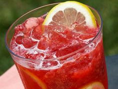 Sparkling Raspberry Lemonade Punch - add raspberry or orange sorbet for a perfect party drink!!!