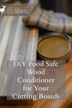 Make an easy food safe wood conditioner for you wooden cutting boards and wooden kitchenware. You need this DIY food safe wood finish and wood conditioner for your wooden kitchen tools to keep them smooth, supple, and long lasting. Diy Organizer, Wood Turning Lathe, Wood Turning Projects, Wood Projects, Wood Lathe, Router Wood, Lathe Projects, Cnc Router, Diy Cutting Board