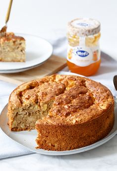 Breakfast cake with oatmeal and apricot Tart Recipes, Sweet Recipes, Baking Recipes, Breakfast Cake, Breakfast Recipes, Healthy Baking, Healthy Treats, Tapas, Sweet Pie