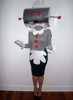 Rosie the Robot from The Jetsons Costume - Halloween Costume Robot, 70s Costume, Cute Costumes, Diy Halloween Costumes, Halloween Cosplay, Halloween Crafts, Halloween Decorations, Halloween Party, Space Costumes