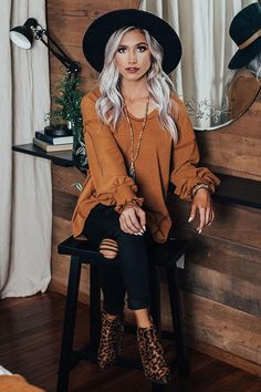 Chicest Of Times Shift Top In Cinnamon Cute Fall Outfits, Outfits With Hats, Fall Fashion Outfits, Mode Outfits, Fall Winter Outfits, Autumn Winter Fashion, Trendy Outfits, Womens Fashion, Fashion Clothes
