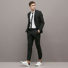 Latest Coat Pant Designs Black Casual Stripe Custom Summer Wedding Suits For Men Groom Slim Fit 2 Pieces Terno Jacket+Pants 467 Outfit Hombre Formal, Formal Men Outfit, Outfits Hombre, Sneaker Outfits, Mens Fashion Suits, Mens Suits, Male Prom Suits, Summer Wedding Suits, Suits And Sneakers