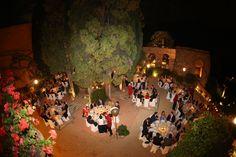 La boda de Lourdes e Ivan se celebró en el Castillo de Santa Catalina en Málaga. Un lugar encantador