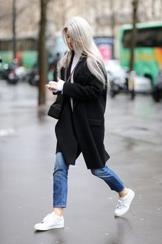 Vogue Editor Sarah Harris Pregnancy Guide Maternity Wear Tips Sarah Harris, Vogue Uk, Vogue Fashion, Paris Fashion, Street Fashion, Fashion Photo, Street Style Outfits, Moda Paris, Winter Fashion Outfits