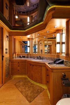 Master Bath - Trinity Yachts