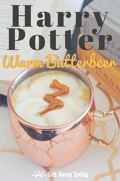 Want to know how to make Harry Potter Butterbeer served warm? We have a delicious copycat recipe of the warm butterbeer served at the Wizarding World of Harry Potter at Universal Studios. Harry Potter Snacks, Cumpleaños Harry Potter, Harry Potter Birthday, Harry Potter Recipes, Beer Recipes, Copycat Recipes, Fall Recipes, Cooking Recipes, Kitchen Recipes
