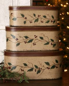 Nesting Boxes - Holly Berry Vine