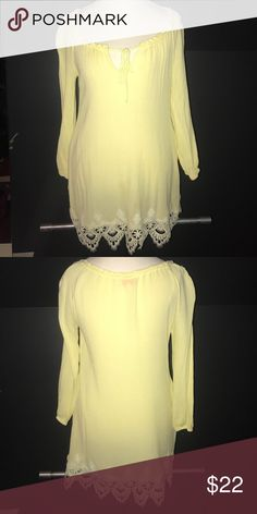 Re:named yellow dress Worn once, lace in tact at the bottom and has pockets re:named Dresses