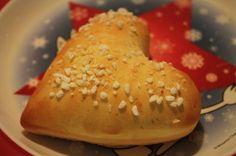 Sydänpulla - oiva leivos esim. ystävänpäiväksi! :)