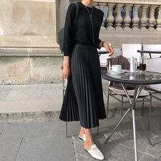 68 Trendy fashion minimalist korean minimal classic Source by rachelwushwlol Fashion outfits Modest Fashion, Hijab Fashion, Fashion Outfits, Long Skirt Fashion, Fashion Ideas, Fashion Tips, Look Fashion, Trendy Fashion, Paris Fashion