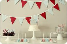 One of my fav party ideas, so simple and classy. I tried to imitate it for my sis in law's baby boy shower, I thought it was super cute!