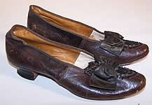 1860s Victorian Civil War Era Brown Leather Beaded Bow Louis Heel Shoes