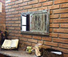 Feito com veneziana de madeira de demolição. #upcycling #alemdaruaatelier