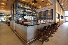 Earls Dadeland, Miami // wine bar
