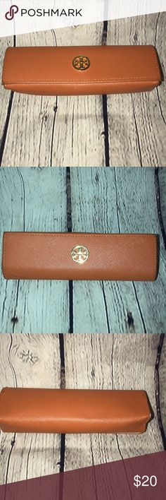 Tory Burch reading glasses case Tory Burch reading glasses case See pics for ink mark and wear on corner of case Tory Burch Accessories Sunglasses