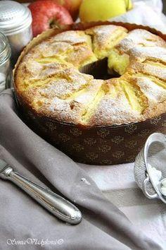 ... a nebo také jablkový věnec Nejlepší je, když budete mít koláčovou formu s otvorem uvnitř, a když ji nemáte, není to z...