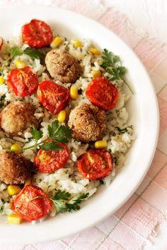 Pieczone-pomidorki-z-klopsikami-i-ryżem-jaśminowym-1